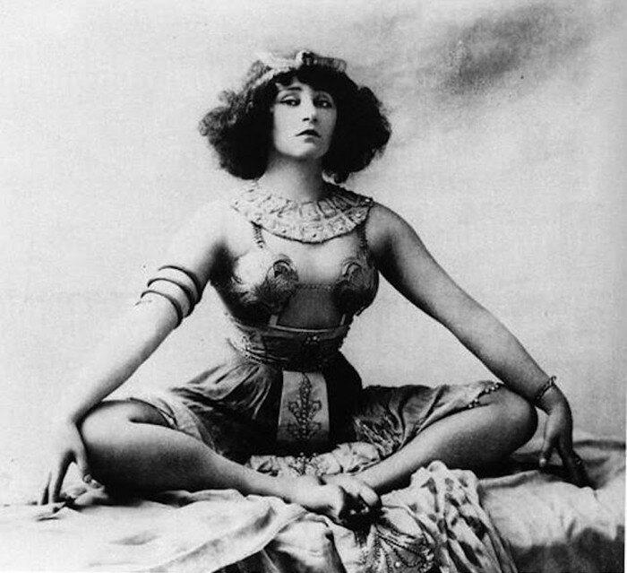Sidonie Gabrielle Colette, известная как просто Колетт.