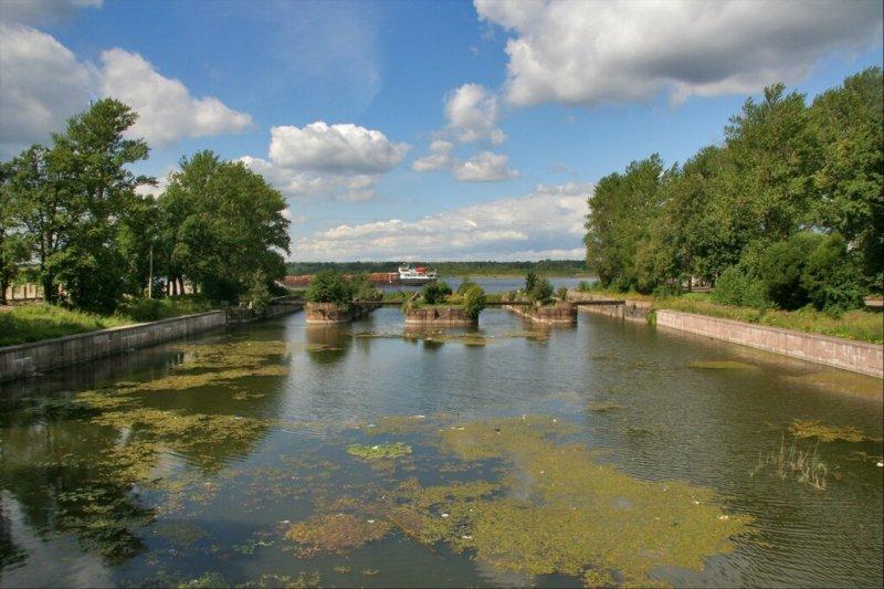 Шлиссельбург, Шлюзы Староладожского канала