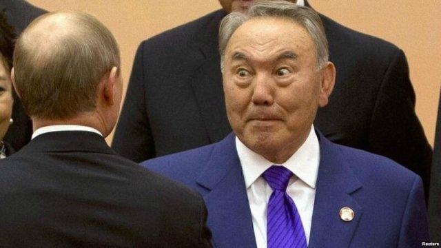 Казахських чиновників показово звільнятимуть за «ігнор» російської мови