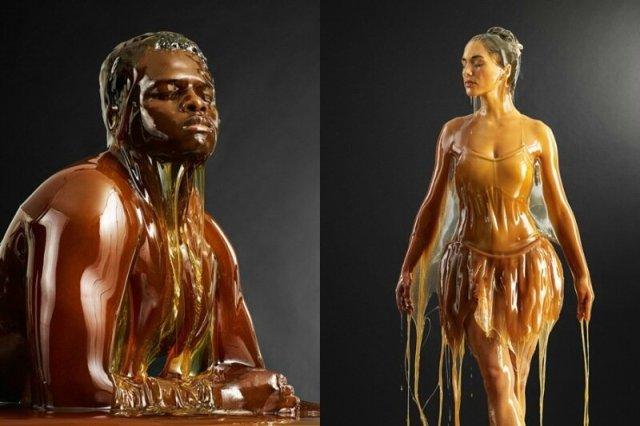 Фотограф креативно облил моделей мёдом, чтобы получилось экстравагантненько