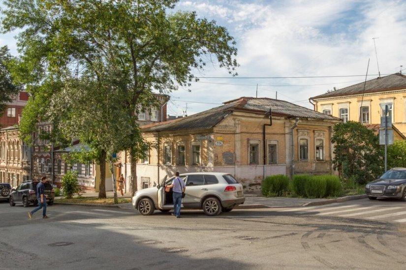 Старые дома на Ленинградской улице