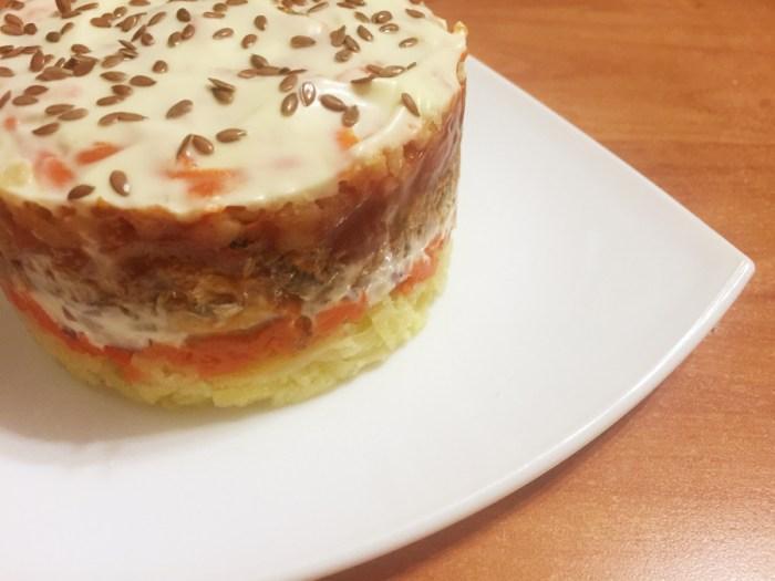 Салат с килькой и красной фасолью