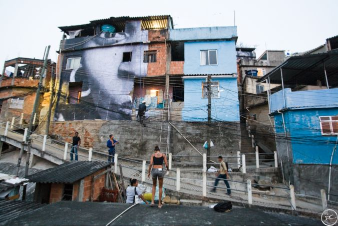 JR — главный художник самой большой галереи мира. 50 фото