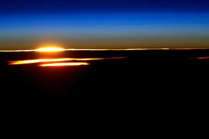 По словам астронавта, это был самый красивый восход солнца за весь год.
