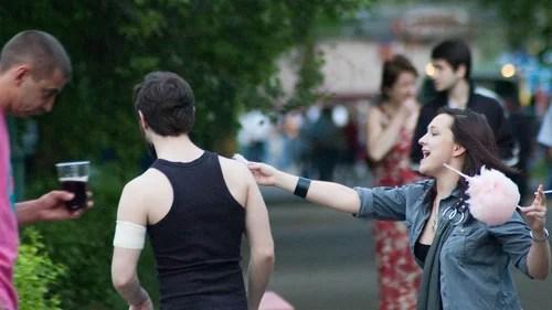 09 мая, люди, ожидание, отдых, парк горького, Андреевский мост,  Москва,  Фотосессии,  люди,  новый сезон,  отдых,  танцы,  фотограф,  фотографии