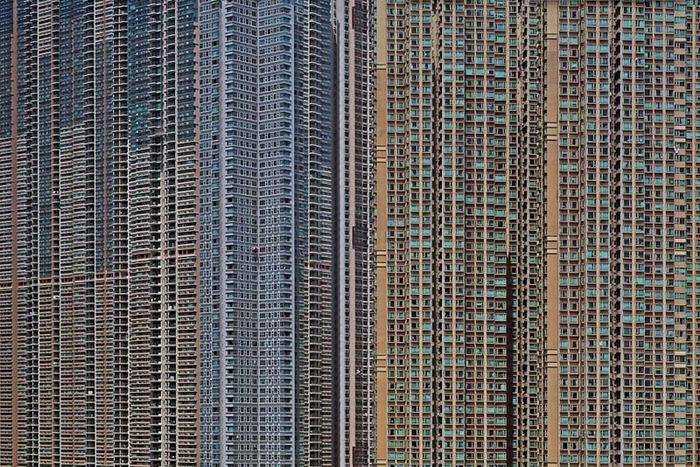 Фотограф Michael Wolf / Михаэль Вольф. О человеке в большом городе. 45 фото как одно