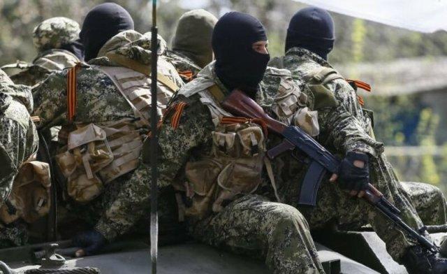 Сотни боевиков на БРТ и КАМАЗах едут на подкрепление ополченцам