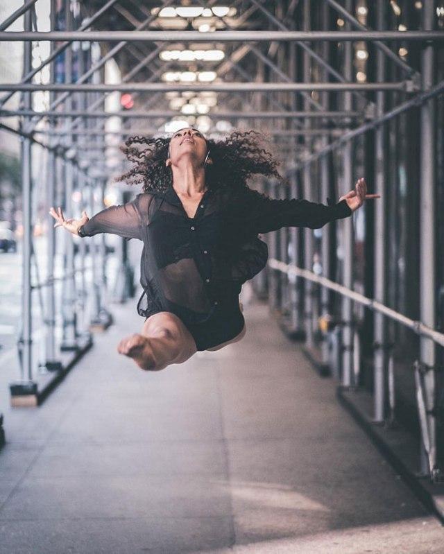 Артисты балета на улицах Нью Йорка в фотографиях Омара Роблеса