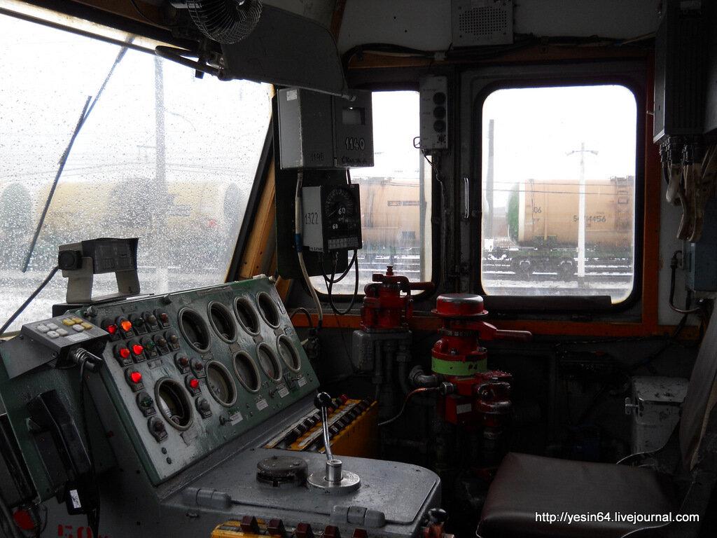 картинки с электровозами внутри кабины машиниста свою
