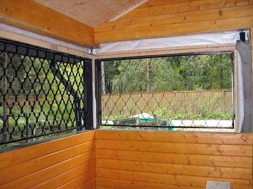 Летняя веранда. Решетки на окнах.