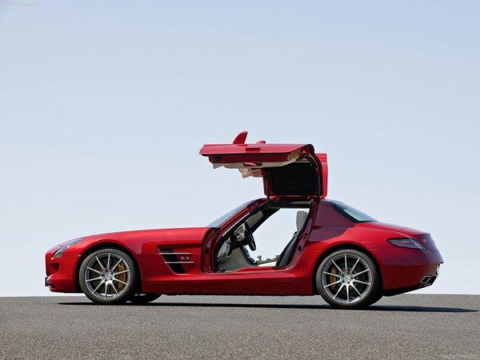 Внешний вид Mercedes Benz SLS AMG
