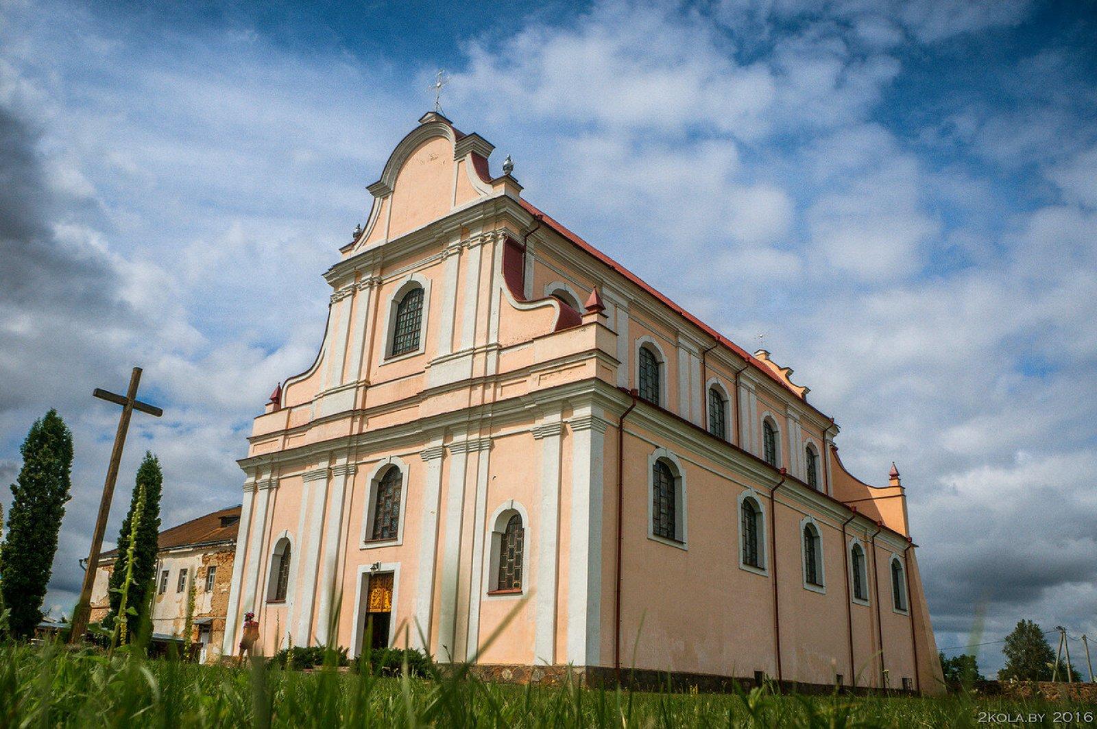 монастырь францисканцев: костел св. Иоанна Крестителя