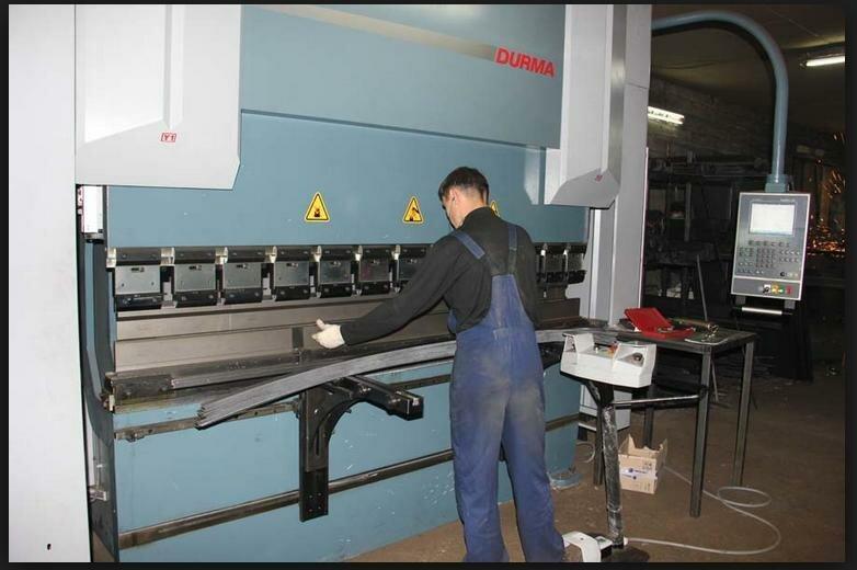 machine for bending metal