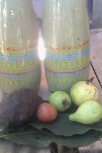 3 avocados and guava smoothie