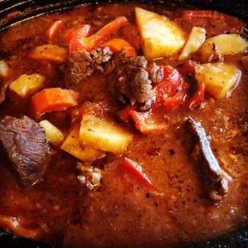 Slow Cooker Beef Caldereta
