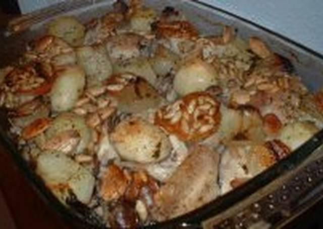 Chicken Casserole With Almonds And Pinenuts (Pollo Al