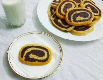Chocolate Vanilla Swirl Cookies