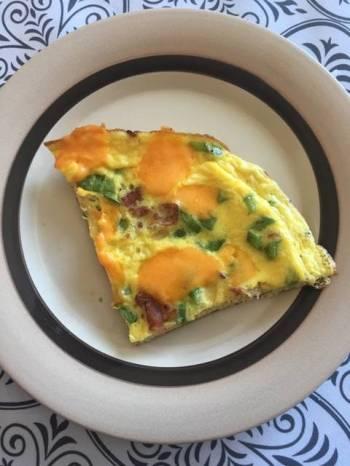 Kids deluxe pizza omelette