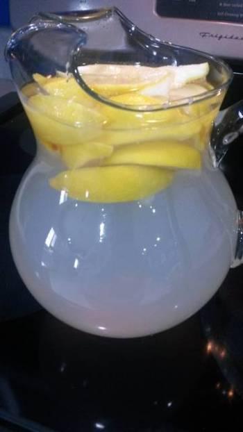 Aunt Edna's lemonade.   1/2 gallon