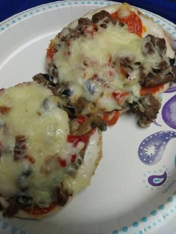 Bagel Alfredo Sauce Pizza