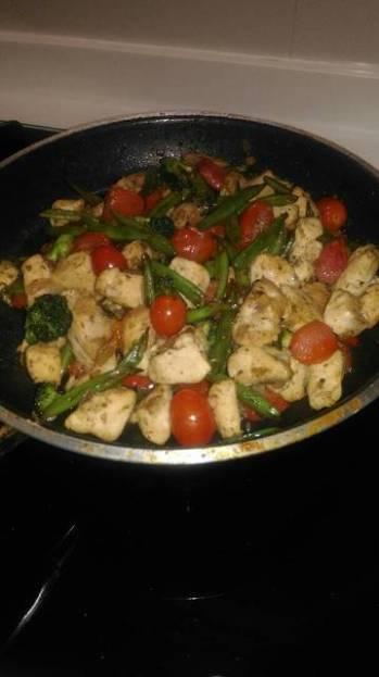 Chicken pesto with vegetables