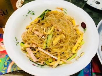 Simple glass noodle salad