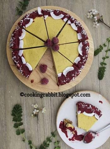 Mango cake with raspberry sauce