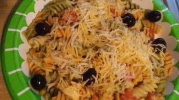Easy Puerto Rican style chicken pasta salad