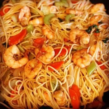 Stir Fried Shrimp and Veggies Pasta