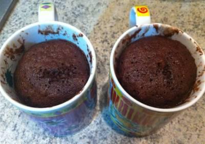 Bizcocho a la taza o mug cake de chocolate