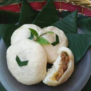 Pao (bakpao) lembut isi ayam kecap