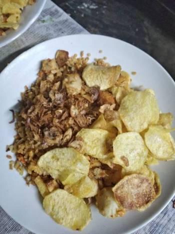 Nasi Goreng Bakso& Nugget Ayam Spesial
