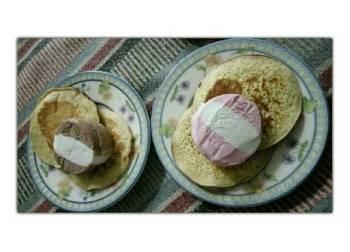 Pancake ice cream walls (by pondan)