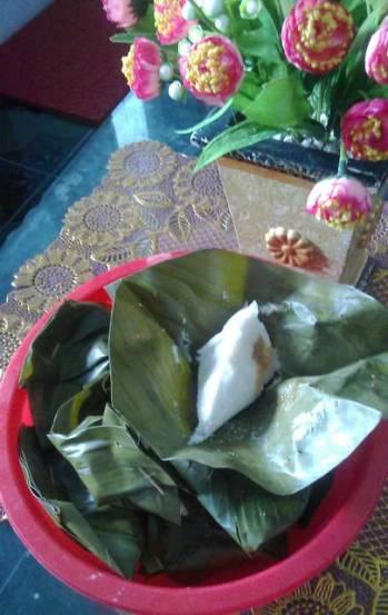 Kue putu khas surabaya