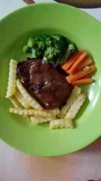 Steak daging sapi simple