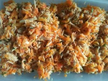 Lumpia isi ayam & wortel