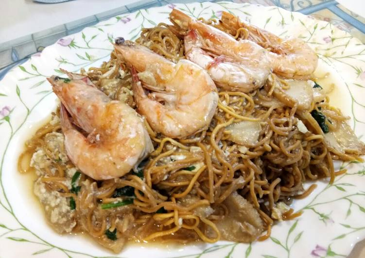 Cantonese Style Yee Mee with Prawns