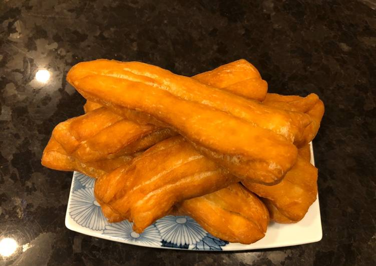 ", How to Make Delicious Deep Fried ""Cakwe"" (Chinese Crullers)"