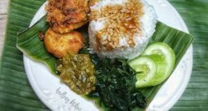 Nasi Padang (telur dadar & perkedel)