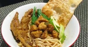 Chicken Noodles + Chicken Feet: Indonesian Street Style