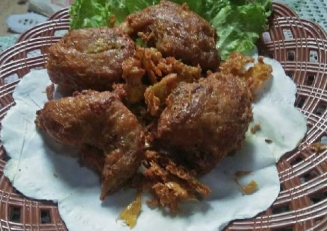 *ayam goreng khas Padang*