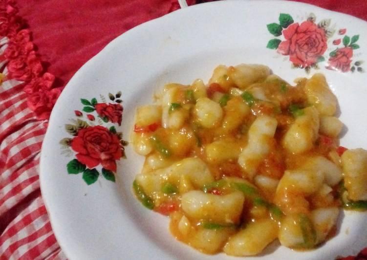 Korean Tteokbokki (Hot and Spicy Rice Cake)