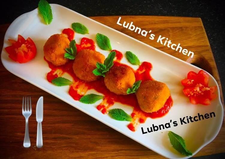Aloo Kofta with Spiced Tomato Sauce Potato balls with Spiced Tomato Sauce
