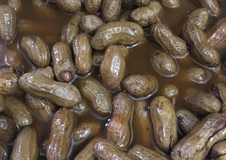 Instant pot boiled Cajun Peanuts