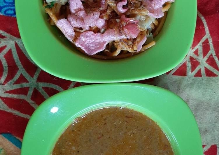 Mie goreng Pecal
