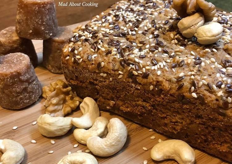 Eggless Whole Wheat Jaggery Cake or Atta Gur Ka Cake – Healthy Cake