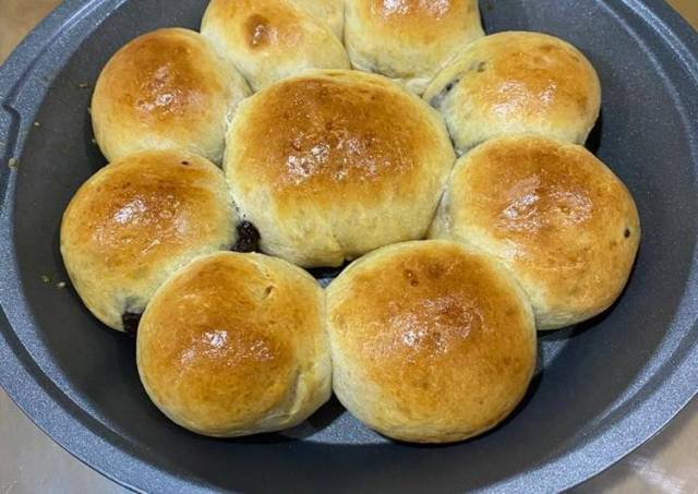 Spelt flour bun