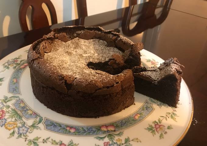 Gâteau au Chocolat: Delicious French Chocolate Cake (Gluten-free
