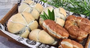 Roti & Donat Bunga Telang (Autolisis)