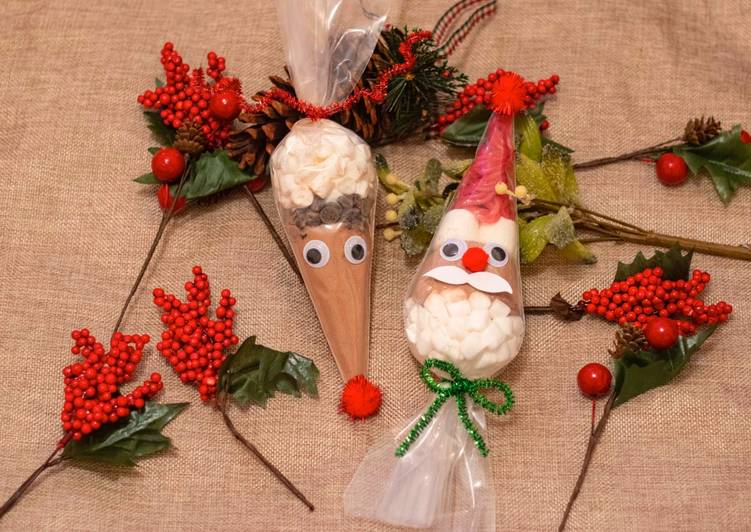 Santa 🎅 and reindeer🦌 hot chocolate cone